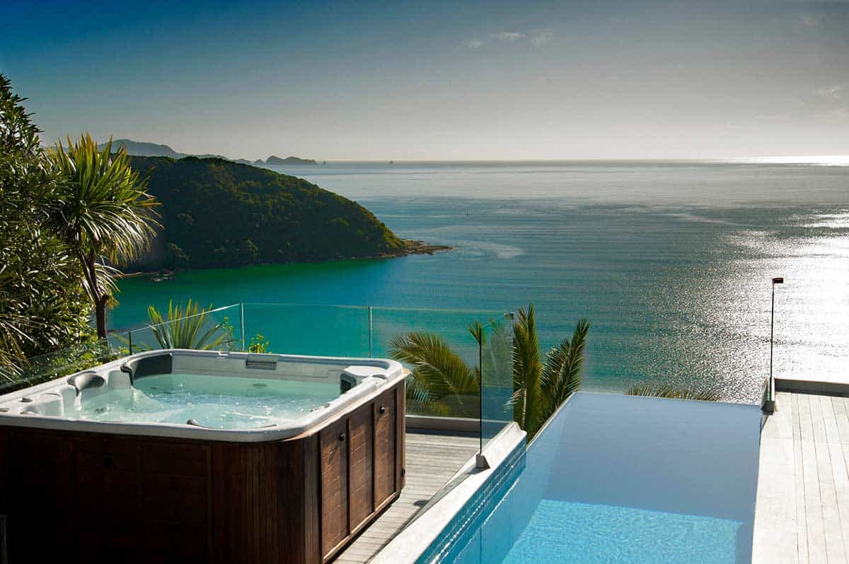 The Infinity Pool and Spa with the view on the Bay of Islands is stunning.
